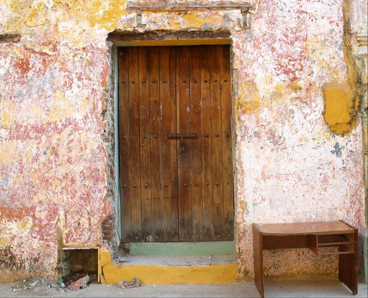 Crumbling House in Cartagena's San Diego Neighborhood