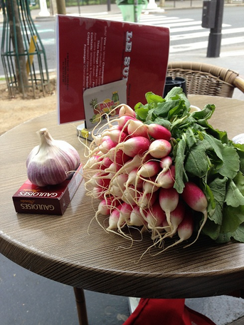 Breakfast radishes and purple garlic from the Marché de Belleville