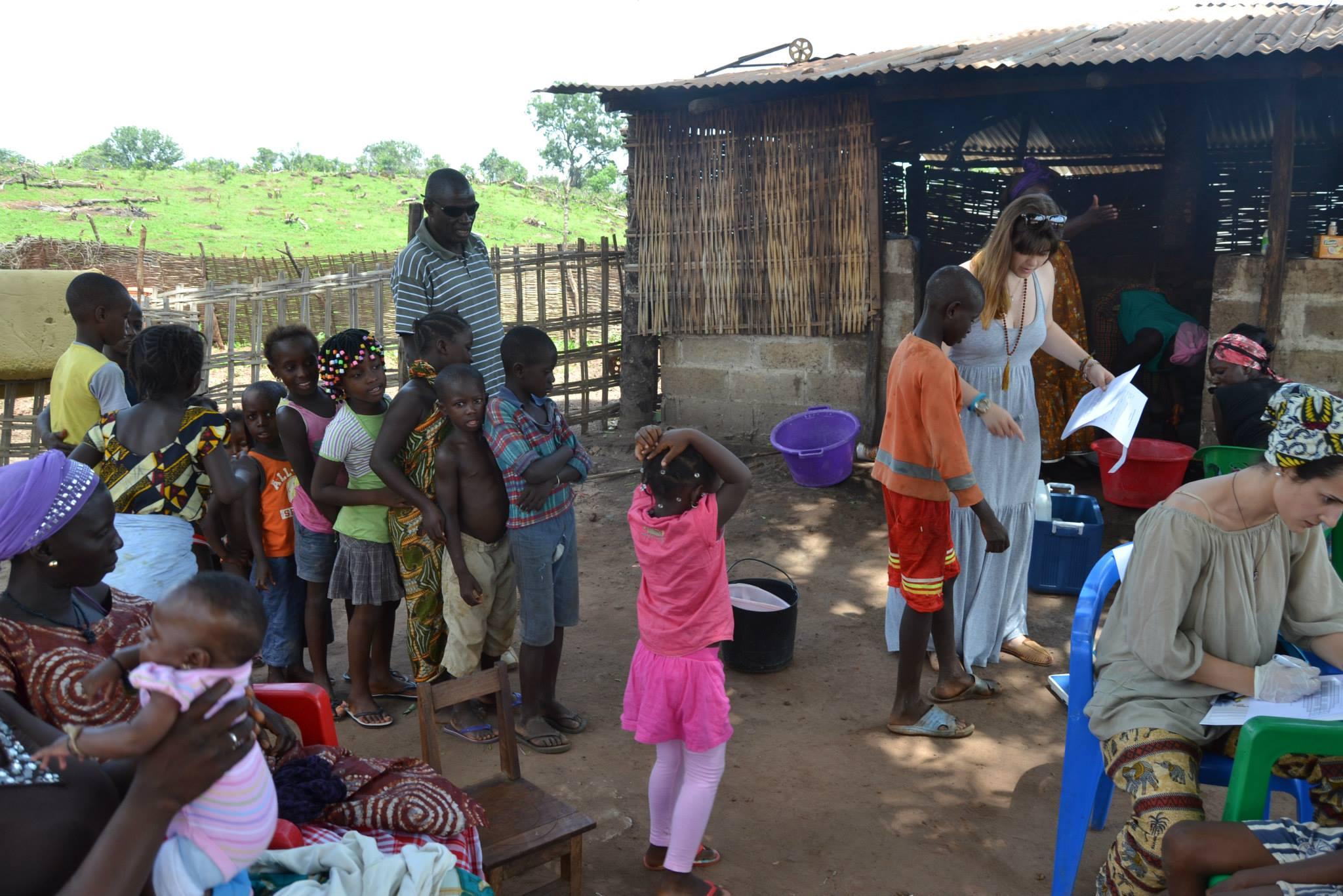 Checking children's teeth in Geba.
