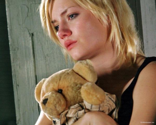 Image credit: http://www.girlwallpaper.me/wallpaper/Elisha-Cuthbert/Elisha-Cuthbert-Crying-1280x1024-28777.jpg
