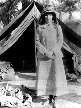 Gertrude Bell in the Middle East in 1909. Image from WikiCommons.