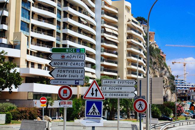 Streets of Cote d'Azur. Image by Flickr user Alisha Putri.