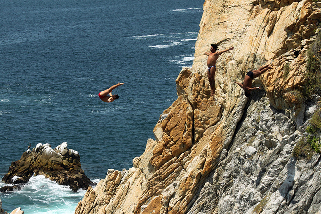 Acapulco cliff divers. Image by Flickr user Prayitno.