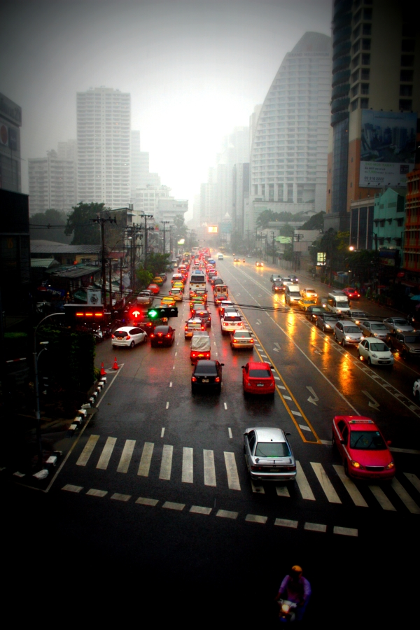 The streets of Sukhumvit. Image courtesy of Kayti Burt.