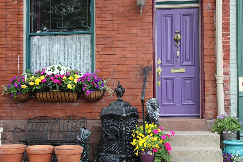 Harrisburg Pennsylvania doorfronts. Photo by Beth Santos of Go Girl Travel Network