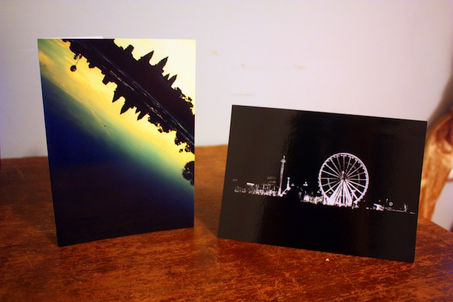 Turn your travel photos into souvenirs like this stationary.
