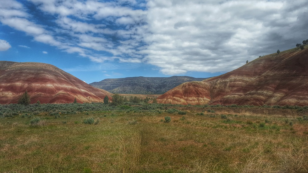 Painted Hills, Oregon. Photo by Beth Santos of Wanderful.