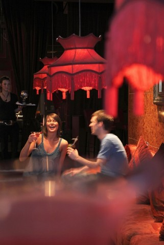 A couple enjoying an evening drinking cocktails in Apartment, a modern bar, dining room and club in Newcastle. Photo credit: ©VisitBritain / Pawel Libera
