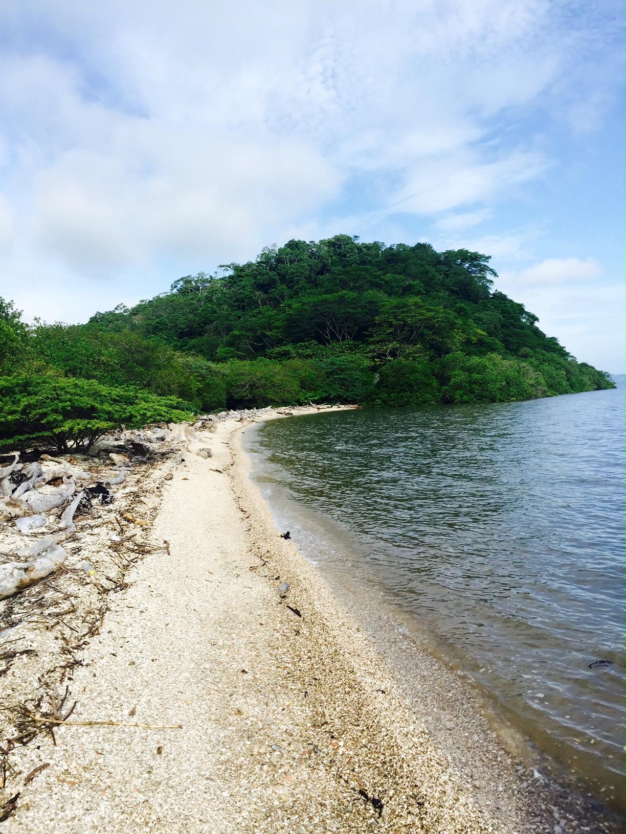 Playa Bonita in Isla de Chira.