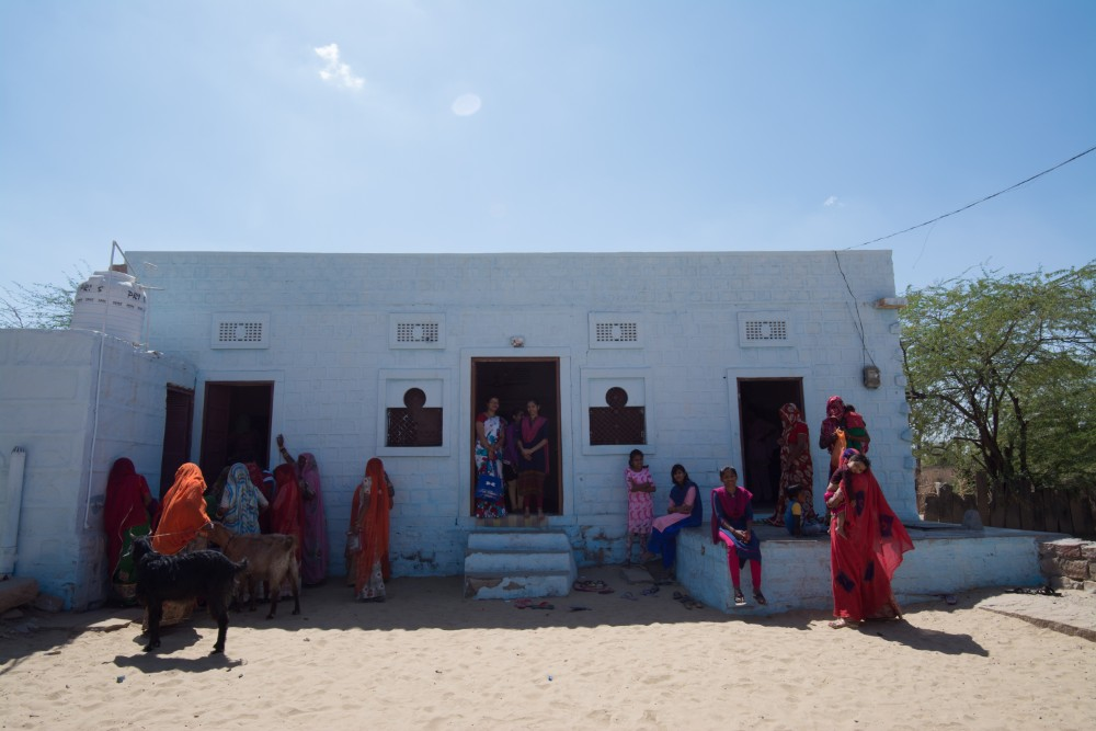 The Sambhali Trust building in Rajasthan India - Abbie Synan with Purposeful Nomad and Wanderful