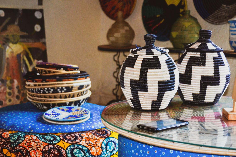 Baskets of Rwanda in a black and white diagonal zig-zag pattern