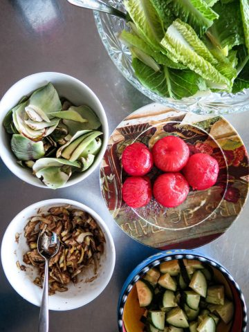 Bowls of fresh food in Canada - photo by Larissa Rolley, photography course creator at Wanderful